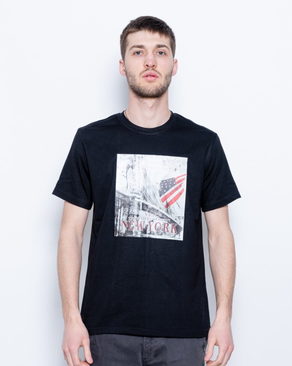Фото людей в футболках приколы джонс перерывах