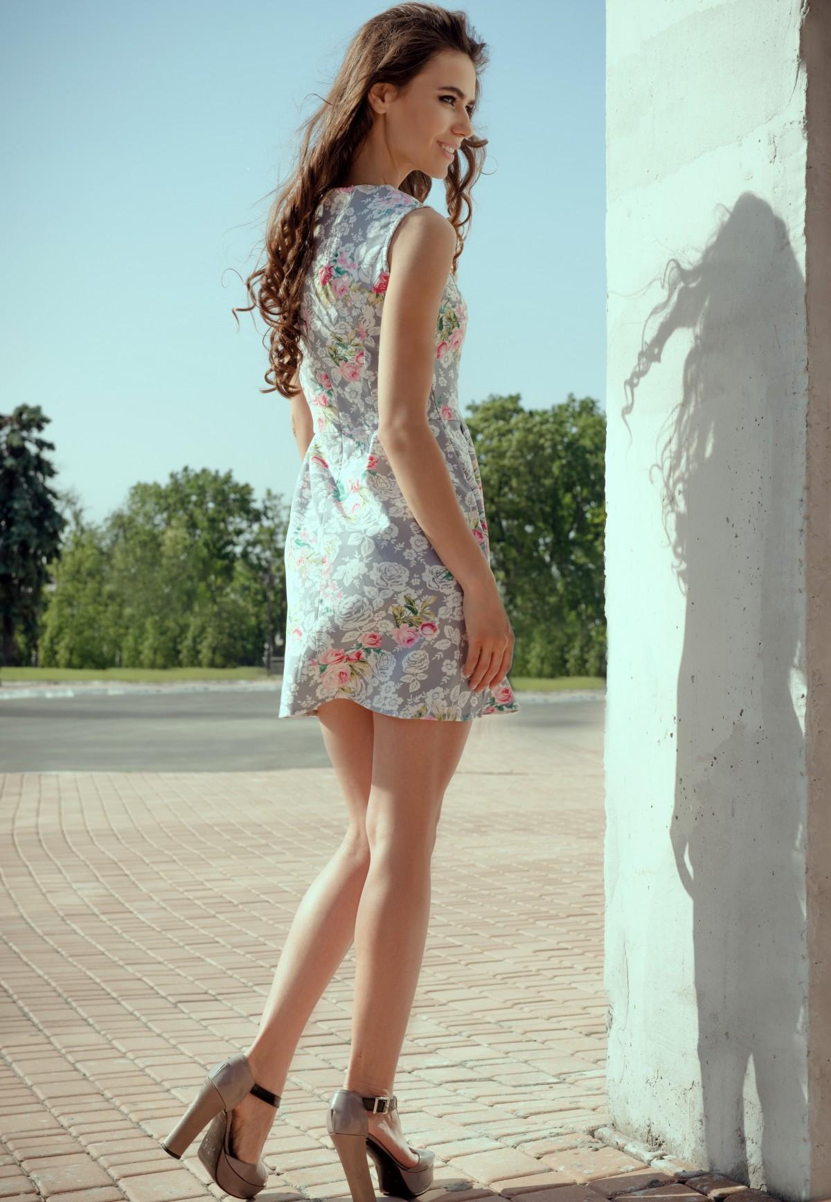 Платье сале фото цветочные узоры стильные